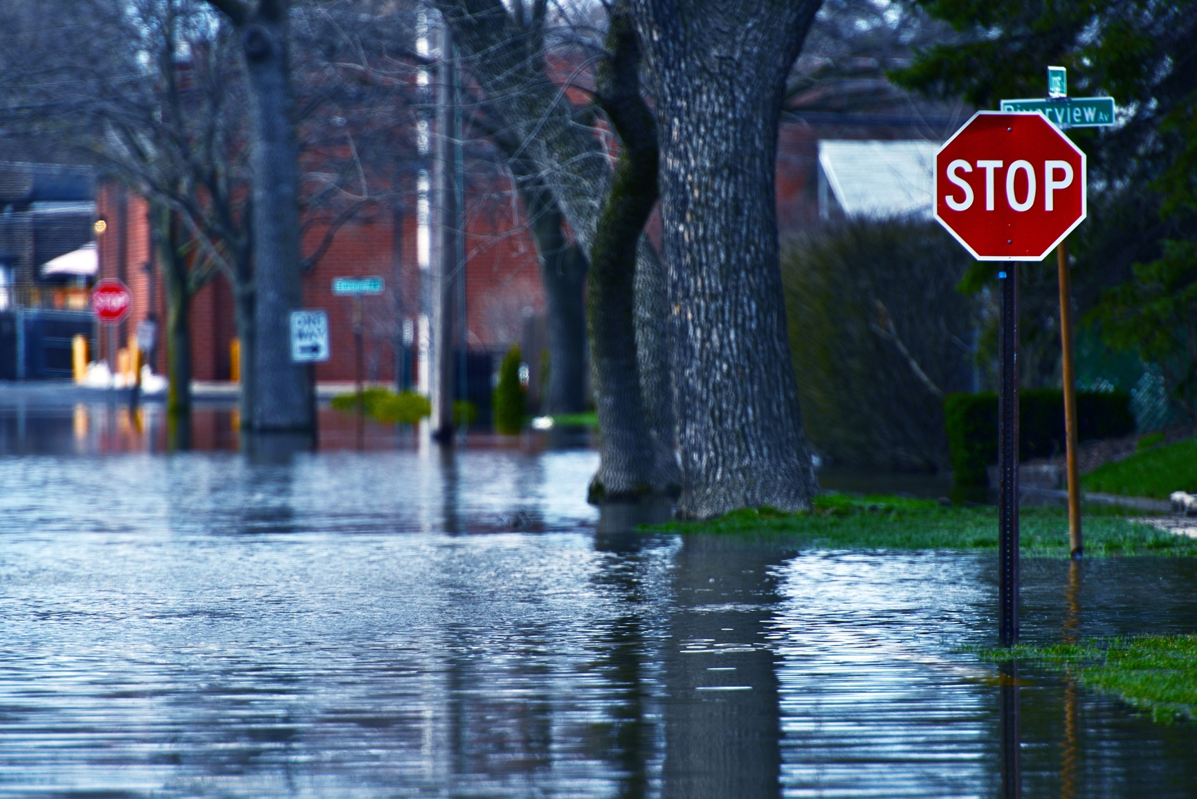photodune-4727769-flooded-street-m