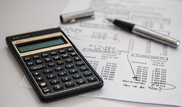 calculating expenses concept